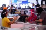Pengunjung Plaza Marina Surabaya Wajib Pakai Face Shield
