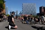 Meluas ke Eropa, Ratusan Demonstran Berlutut di London dan Berlin Protes Kematian George FLoyd