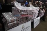 Kejagung Pamerkan Gunungan Uang Rp97 Miliar Hasil Sitaan Milik Honggo Hendratno