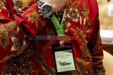 Raker dengan Komisi IV, Mentan Syahrul Yasin Limpo Pamer Kalung Antivirus Corona