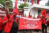 Kader Akar Rumput Gelar Aksi Damai di Kantor DPP PDIP