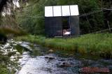 Rumah Cermin Tergantung di Atas Sungai Amata Latvia