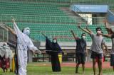 Tingkatkan Imun, Pasien Covid-19 Berolahraga di Stadion Patriot Chandrabhaga