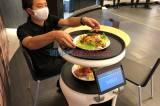 Melihat Demonstrasi Robot Servi Pelayan Restoran di Jepang