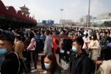 Libur Nasional Setelah Pandemi, Warga Padati Stasiun di China