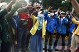 Mahasiswa Kembali Gelar Aksi Damai Menolak UU Cipta Kerja di Patung Kuda