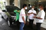 Raih Paritrana Award, BPJamsostek Serahkan 1 Unit Mobil Kepada Pelindo III