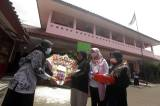 Peringati Hari Guru Nasional, Siswa SD Negeri 1 Pangkalan Jati Temui Guru di Sekolah