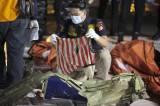 Tim Sar Gabungan Temukan Serpihan Pesawat Hingga Baju yang Diduga Milik Penumpang Sriwijaya Air SJ-182
