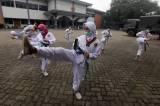 Melihat Siswa Ampibi Taekwondo Club Taekwondo Berlatih di Tengah Pandemi