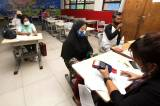 Pemprov DKI Jakarta Distribusikan BST dengan Prokes Ketat