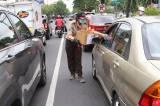 Bencana Melanda, Pramuka Kumpulkan Donasi di Jalan Raya