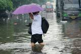 Banjir Setinggi 70 Cm Rendam Kawasan Jalan Trunojoyo