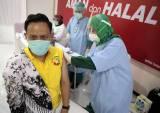 Ratusan Tenaga Pendidikan Jalani Vaksinasi Covid-19