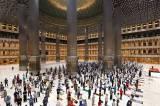 Masjid Istiqlal Gelar Salat Tarawih Pertama di Tengah Pandemi Covid-19