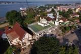 Berdiri Berdampingan, Masjid Dakwah Wanita dan Gereja Pantekosta Bukit Zaitun Cerminkan Kedamaian