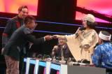 Iis Dahlia Berikan THR ke Guru Honorer di Voice of Ramadhan