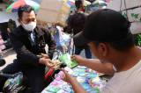 Jelang Hari Raya Idul Fitri, Penjualan Amplop Lebaran Laris Manis