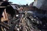Dilalap Api, Belasan Rumah Petak Surabaya Hangus