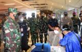 KSAL Tinjau Vaksinasi di Pelabuhan Tanjung Emas Semarang