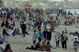 Bali Turun ke PPKM Level 3, Pantai Sanur Langsung Diserbu Wisatawan