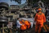 Dua Orang Tewas Tergencet Akibat Kecelakaan Truk Semen Cair di Nagreg