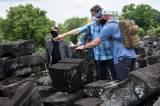 Momen Kebersamaan Prajurit Banteng Raiders dan US Army Menikmati Candi Prambanan