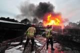 Kebakaran Tempat Penyulingan Minyak Mentah Ilegal di Jambi