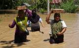 Banjir 2,5 Meter Rendam Dua Kecamatan di Mamuju