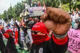FSPMI Geruduk Gedung Balai Kota Jakarta Tuntut Kenaikan UMP 2022