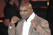 Andalkan Jab, Holyfield Yakin Bisa Redam Tyson