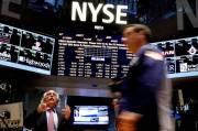 Wall Street Berbalik Jatuh di Tengah Ancaman Trump Tutup Facebook dan Twitter