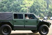 Prabowo Jajal si Maung Mobil Rantis Buatan Pindad