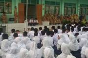 Guru Usia 45 Tahun ke Atas Dilarang Mengajar Tatap Muka di Sekolah