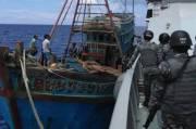 Berusaha Kabur, KKP Tangkap Kapal Maling Ikan Asal Vietnam