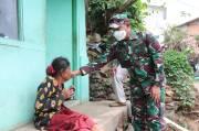 Diberi Bantuan Paket Sembako oleh Jenderal Bintang Dua, Nanek Asih Menangis Haru