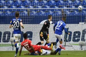 Pelatih Schalke Soroti Masalah Psikologis dan Kesiapan Mental Pemain