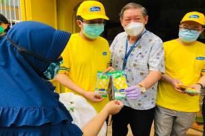 Program #Joydaylawancovid19, 500 KK di Tambora Jakarta Terima Sembako dan Es Krim