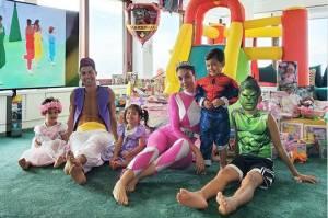 Cristiano Ronaldo Rela Kenakan Kostum Aladdin di Hari Ultah Anaknya