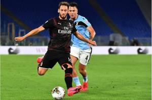 Hakan Calhanoglu Jadi Tumbal Kemenangan Milan Atas Lazio