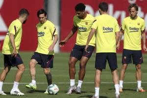 Setien Enggan Lempar Handuk, 4 Pemain Barca Absen di Derby Katalan vs Espanyol