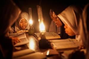 Dukung Pendidikan, PLN-YBM Terangi 36 Madrasah di Jabar dan Jateng