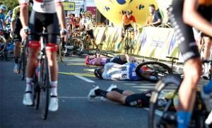 Detik-detik Kecelakaan Mengerikan Pesepeda Belanda di Tour of Poland