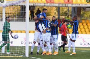 Babak I: Lukaku dan Hakimi On Fire, Bawa Inter Ungguli Benevento 4-0