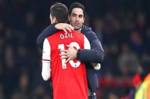 Arteta Lega Coret Mesut Oezil dari Skuat Arsenal di Musim 2020/2021