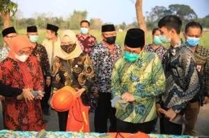Kemendes dan Kemnaker Berikan Bantuan Karya Produktif di Tuban