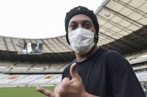 Ronaldinho, Legenda Brasil Terpapar Covid-19