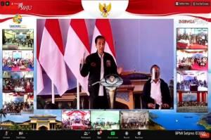 Bagikan 20 Ribu Sertifikat, Jokowi: Saya Dapat Pertama Kali Umur 35 Tahun