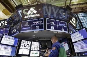Wall Street Tenggelam 3%, Dow Jones Jatuh ke Level Terendah