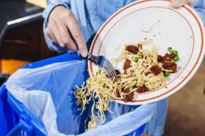 Sampah Makanan Dibuang Sembarangan, Perlu Ditindak Tegas